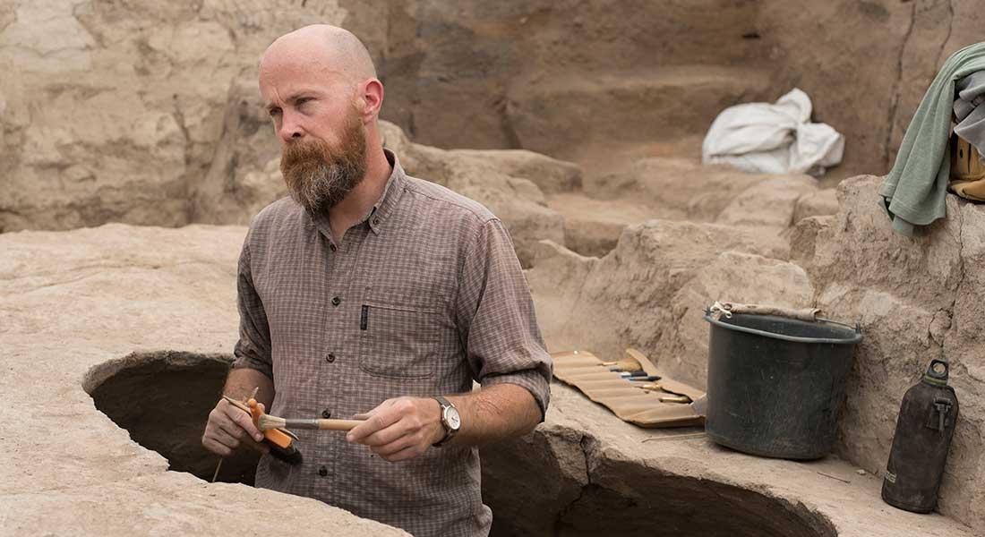 Scott Haddow under en udgravning i Çatalhöyük i Tyrkiet. Foto: Jason Quinlan